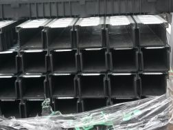 žlab plast černý 1m s pozink mřížkou