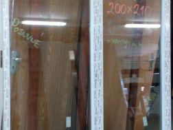 plastové dveře 200x210 posuvné