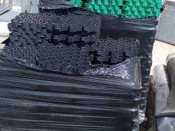 dlažba plast zatravňovací černá 34x34 cm